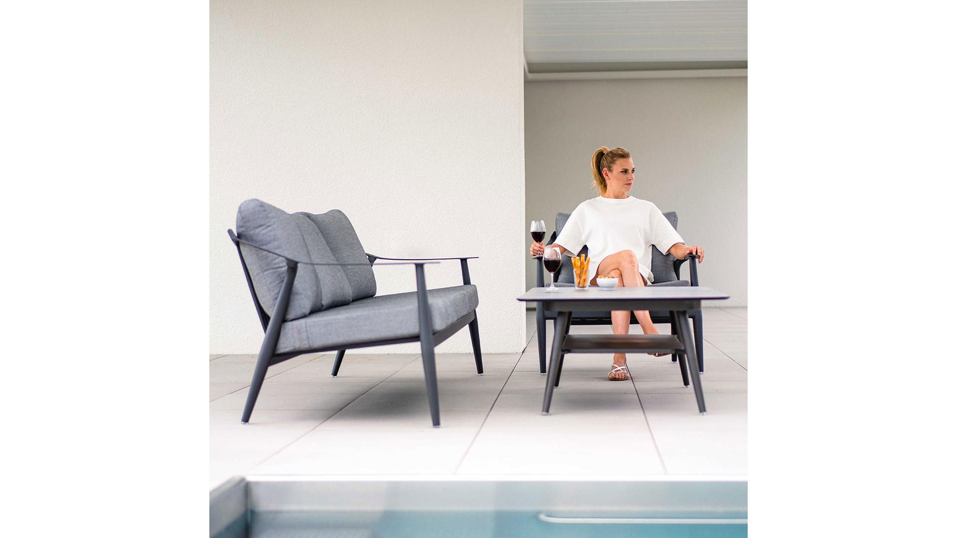 stern-vanda-3-sitzer-sofa-aluminium-outdoorstoff-1198420-9.jpg